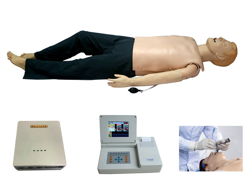 运用心肺复苏模拟人练习心肺复苏术